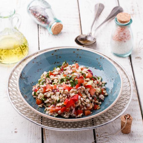 Insalata di orzo con pomodorini e olive: Ricetta