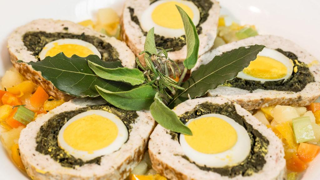 Polpettone di carne ripieno con spinaci e uova: Ricetta
