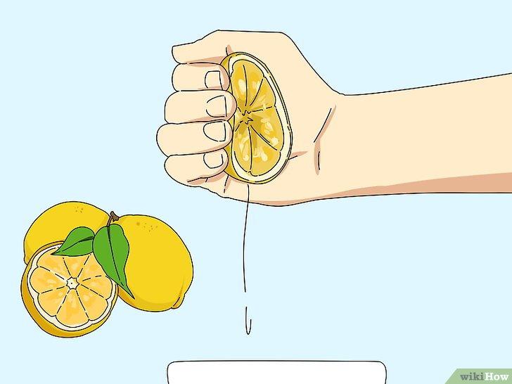 Acqua calda e limone: Cosa succede al corpo se la assumiamo ogni giorno