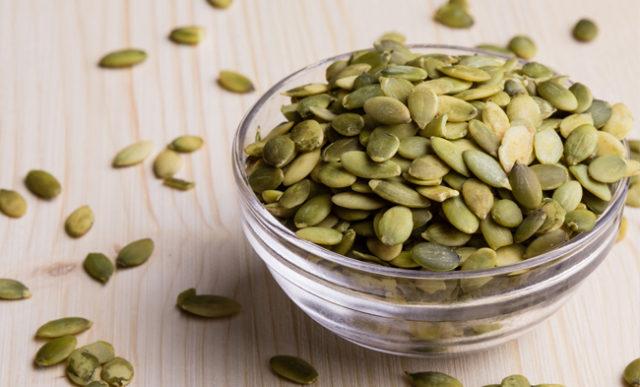 Semi di zucca: 8 Proprietà benefiche e come mangiarli al meglio