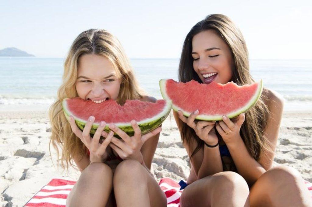 Abbronzatura perfetta: La dieta che ti aiuta ad avere una tintarella sana