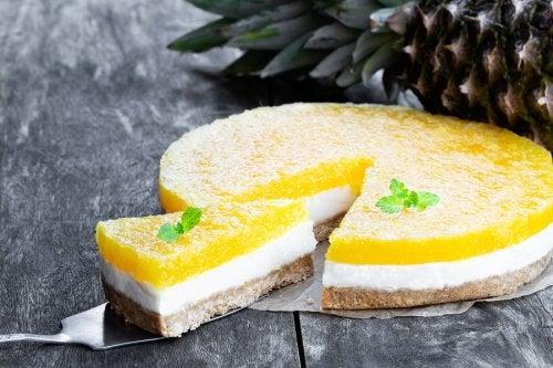 Cheesecake all'ananas Light! Come prepararla velocemente.