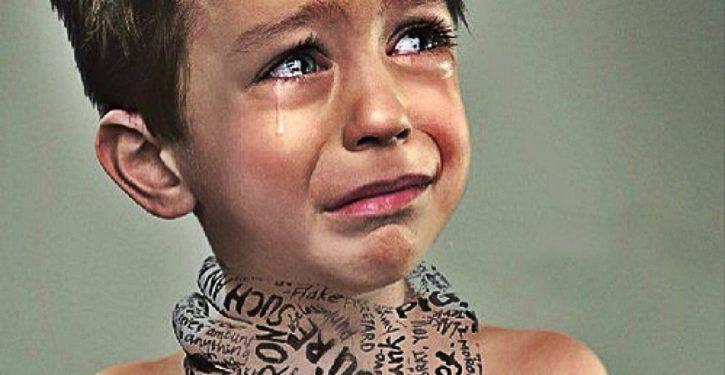 """Gli psicologi avvertono: """"Non dire mai queste 5 frasi ai tuoi figli!"""""""
