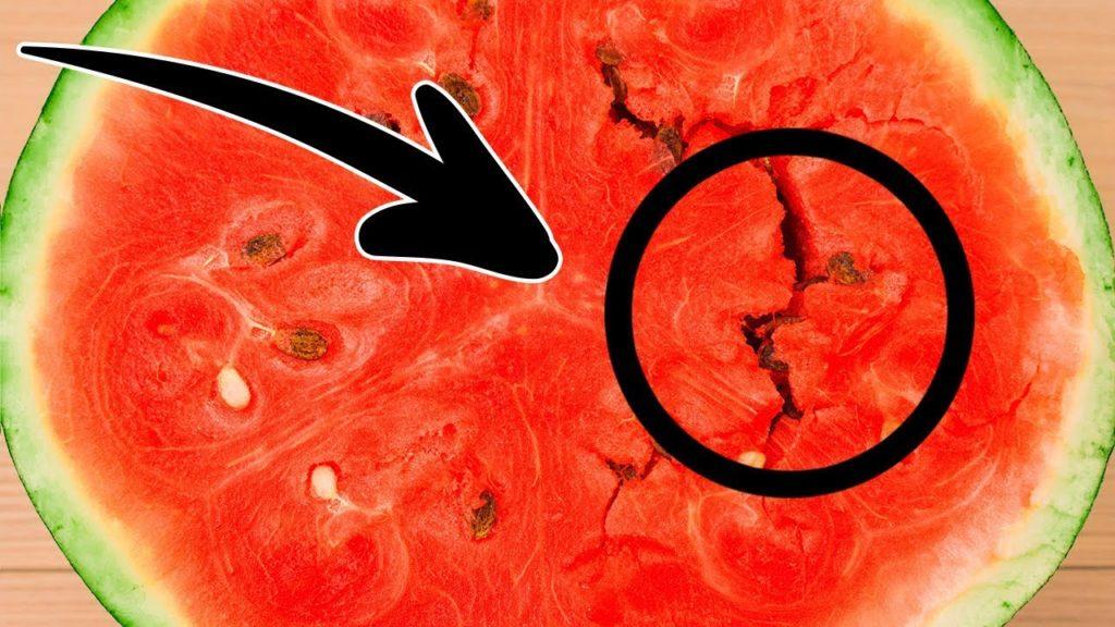 6 Consigli per scegliere una buona anguria e non comprare mai più cocomeri acquosi!