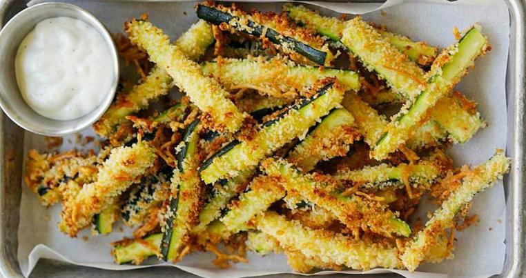Zucchine al forno croccanti: Una ricetta light con sole 130 Kcal!