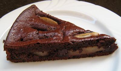 Torta pere e cioccolato: la ricetta light di 260 Kcal per chi è a dieta!