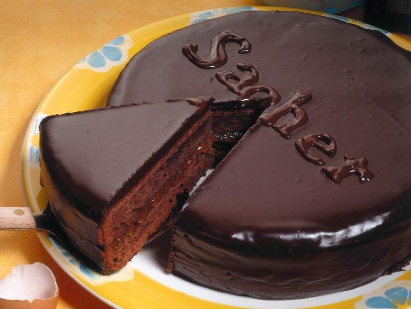 Torta Sacher senza zucchero: la ricetta light di 230 Kcal per chi è a dieta!