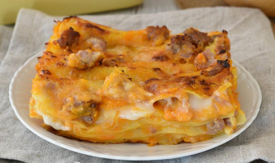 Lasagne con zucca, salsiccia e besciamella: la ricetta di 400 Kcal!