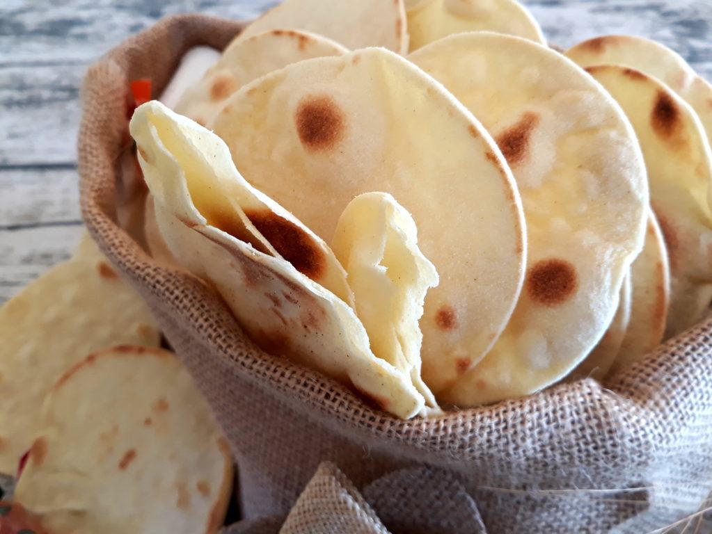 Pane azzimo: la ricetta del pane senza lievito