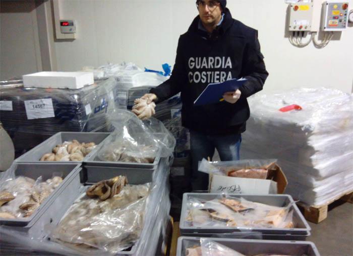 Prodotti ittici pericolosi per la salute. Sequestri e multe salate a inizio anno