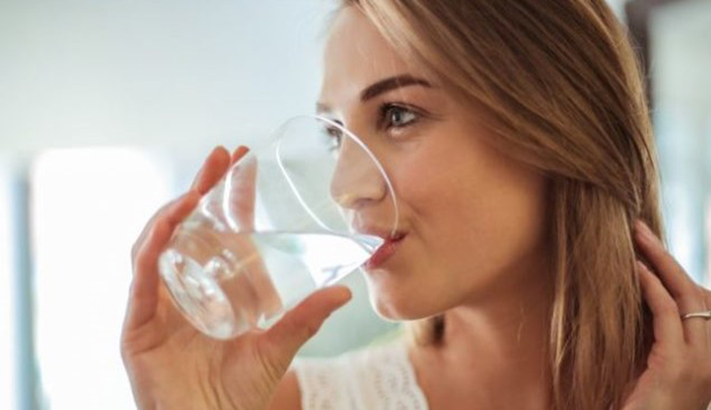 La Dieta degli 8 bicchieri d'acqua