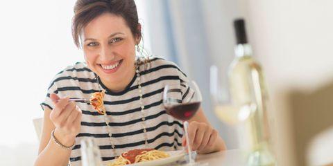 Dinner cancelling: la dieta senza cena che ha fatto dimagrire Fiorello