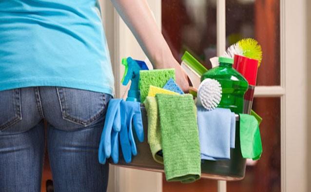 10 detersivi pericolosi per la salute che usiamo tutti i giorni per pulire casa