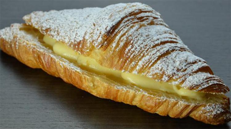 Cornetti senza burro come quelli del bar, la ricetta facile e gustosa con sole 180 calorie!