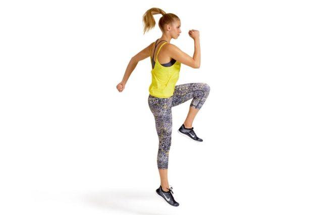 Corsa con ginocchia alte