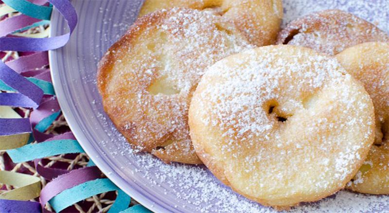 Le frittelle di mele al forno, buone, facili e leggerissime. Solo 75 calorie ciascuna!