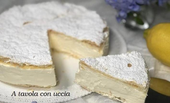 La torta millefoglie al limone, un dolce gustoso e leggero di 230 calorie!