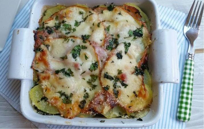 La parmigiana di melanzane e patate senza besciamella, facile e leggera!