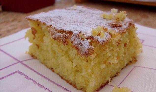 La torta ACE senza burro: morbida, leggera e ricca di vitamina A, C, E