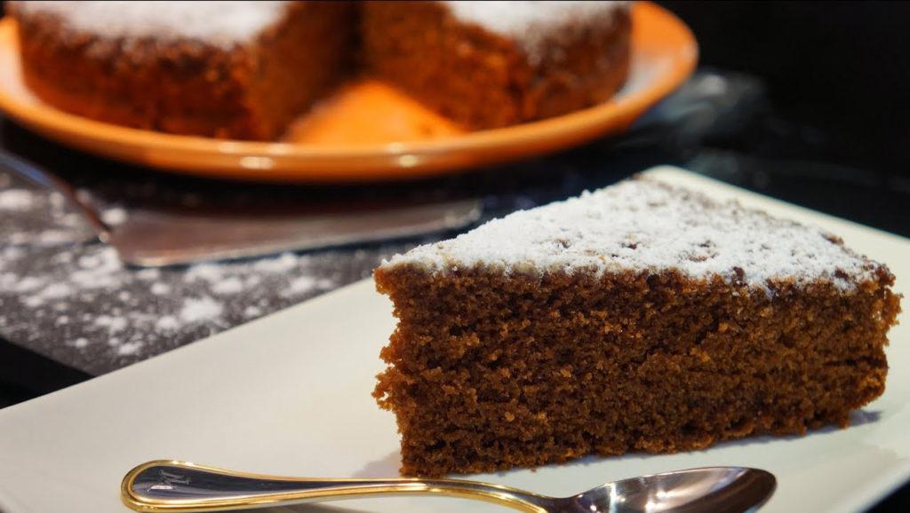 La torta al caffè senza burro sofficissima e con pochissime calorie che finirà subito!
