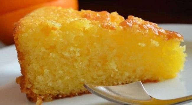 La torta all'arancia: il dolce per la quarantena ricco di vitamina C e ha solo 90 calorie!