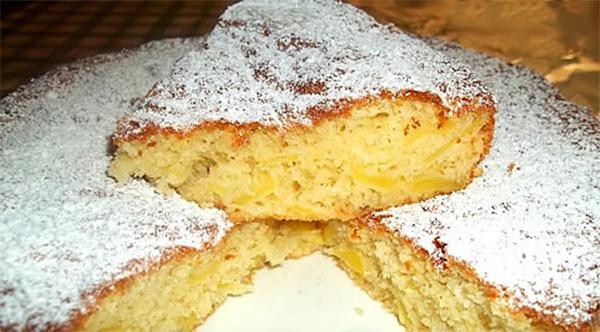 La torta stregata con cocco e mele morbida, gustosa e con sole 160 calorie!