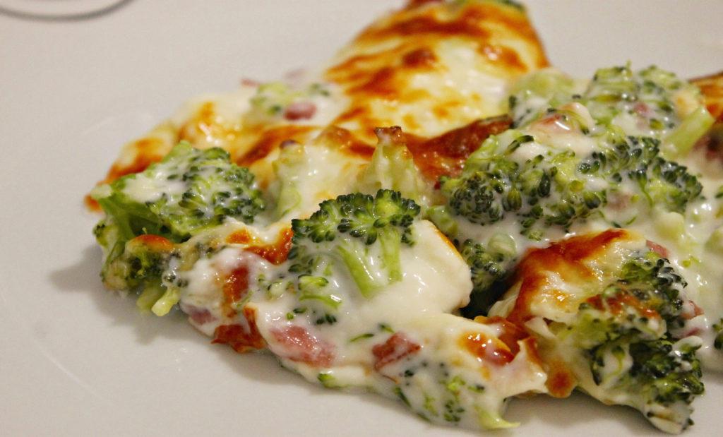 Broccoli gratinati al forno, una ricetta salutare e golosa che ha solo 260 calorie!
