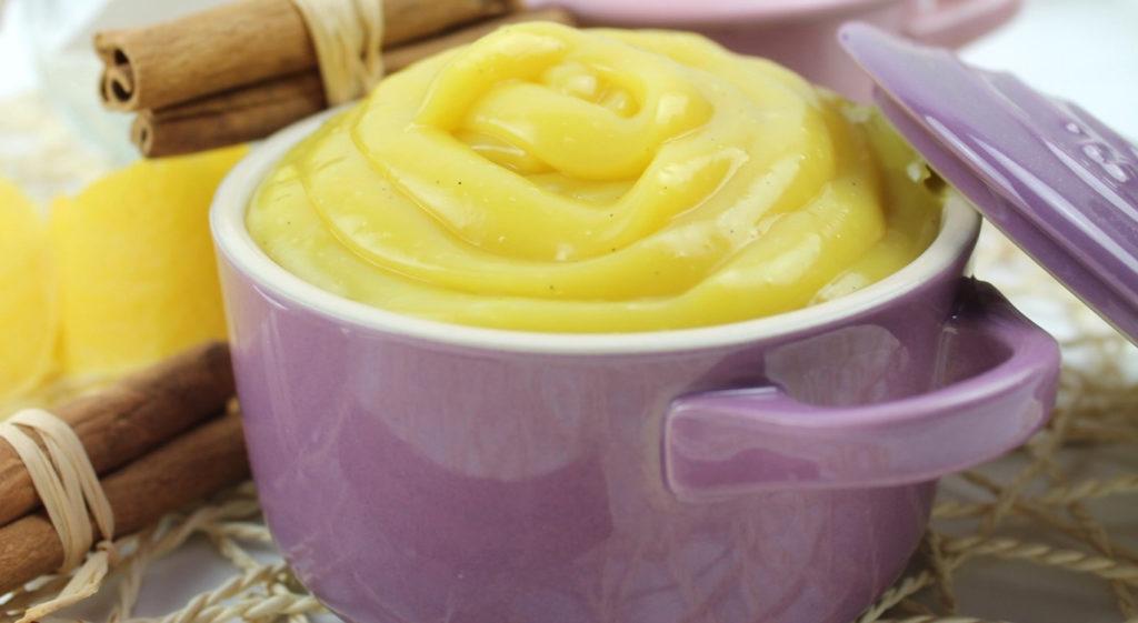 La crema pasticcera senza uova e latte, super cremosa, buona e dietetica. Ha solo 50 calorie!