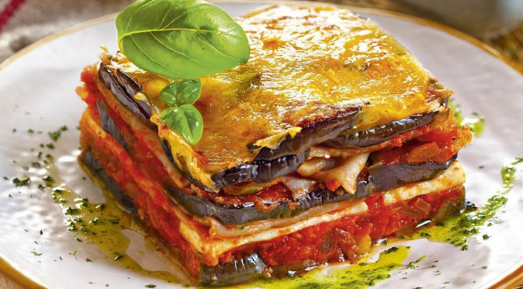 Le lasagne di melanzane, un primo piatto salutare e gustoso che ha solo 210 calorie!