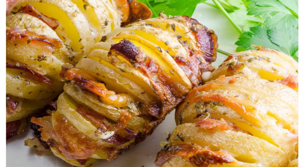 Le patate a fisarmonica, un contorno gustoso e leggero che ha solo 170 calorie!