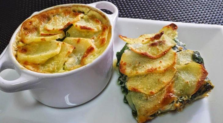 Patate e spinaci gratinati al forno, un secondo piatto gustoso e leggero che ha solo 220 calorie!