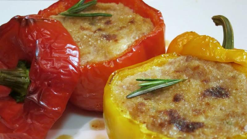Peperoni ripieni di verdure, gustosi, facili e leggeri. Un secondo piatto con sole 270 calorie!