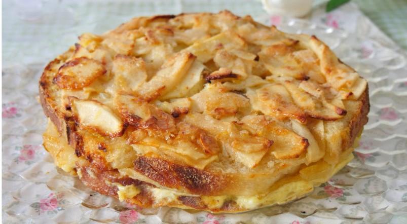 La torta di mele e pane: buonissima, facile e con poche calorie. Ha solo 160 calorie!