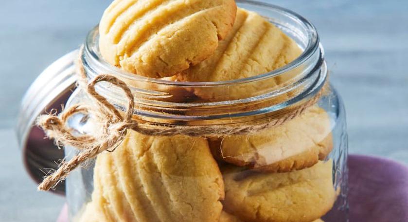 Biscotti morbidi allo yogurt senza burro e latte, buoni per la colazione e con sole 26 calorie a biscotto!