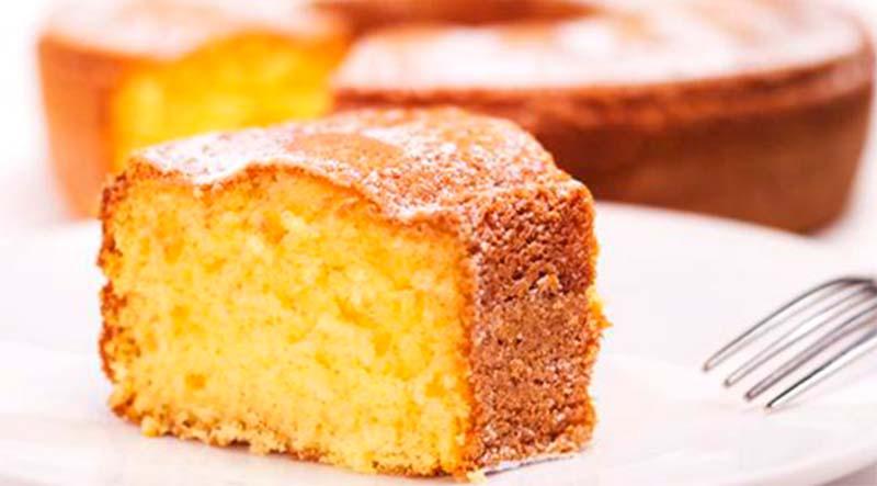 La torta all'acqua senza burro che si prepara in 1 minuto. Ha solo 170 calorie!