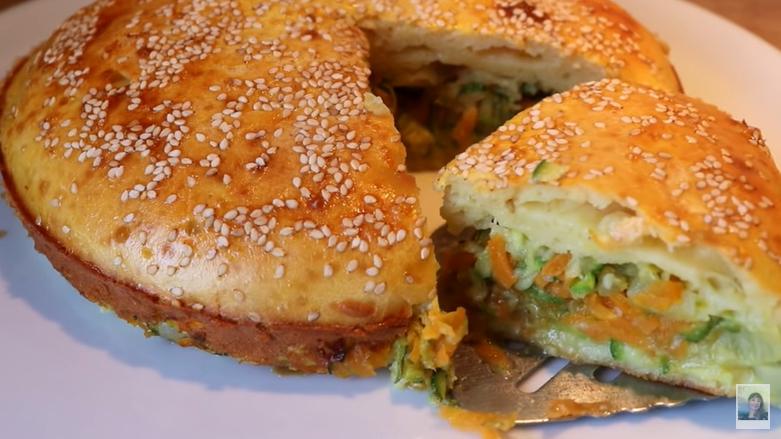 La torta di verdure che si prepara in 5 minuti: buonissima, economica e ha solo 160 calorie!