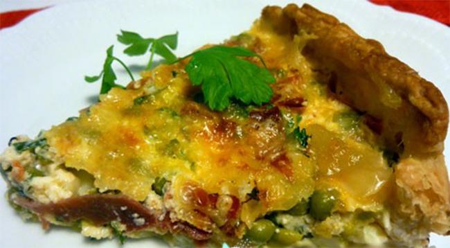 Tortino di piselli al forno con prosciutto, una ricetta golosa, facile e con sole 190 calorie!