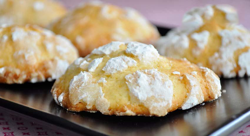 I biscotti al limone senza burro che si preparano in 10 minuti, buoni e leggeri con sole 50 calorie!