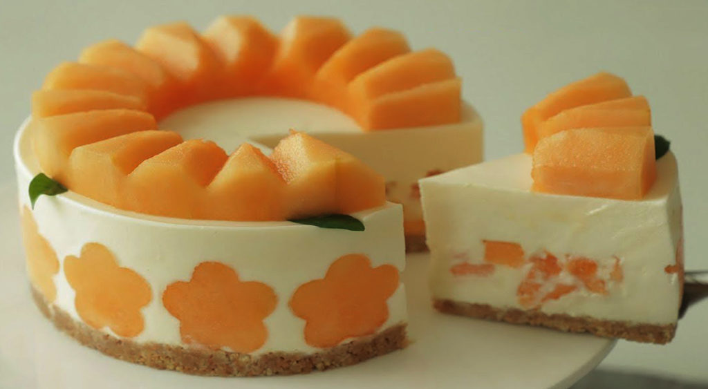 Cheesecake al melone, un dolce estivo gustoso e fresco con sole 130 calorie!