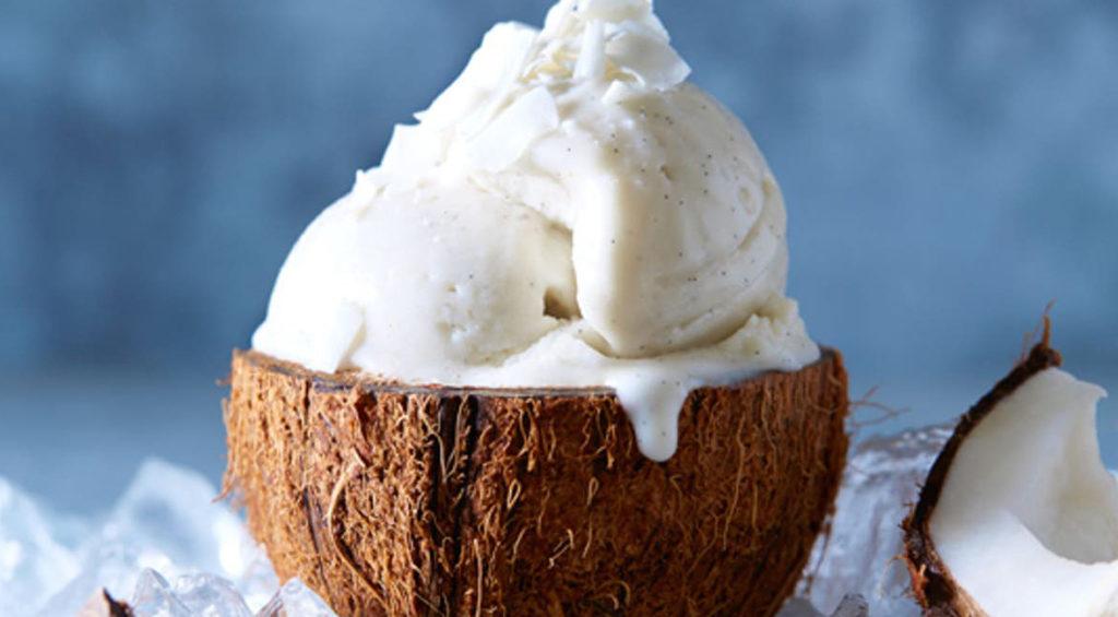 La crema al cocco e yogurt, un dolce cremoso e fresco con sole 100 calorie!