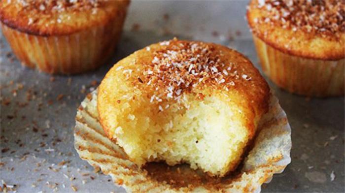 I muffin al cocco 4 cucchiai per una colazione sana, dietetica e con sole 120 calorie!