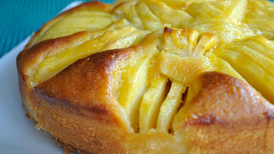 La torta di mele che si prepara in 5 minuti, buona, leggera e con sole 190 calorie!