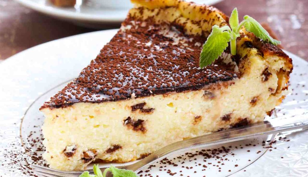 La torta di ricotta cremosa cioccolato e arancia, un dolce gustoso e dietetico con sole 170 calorie!