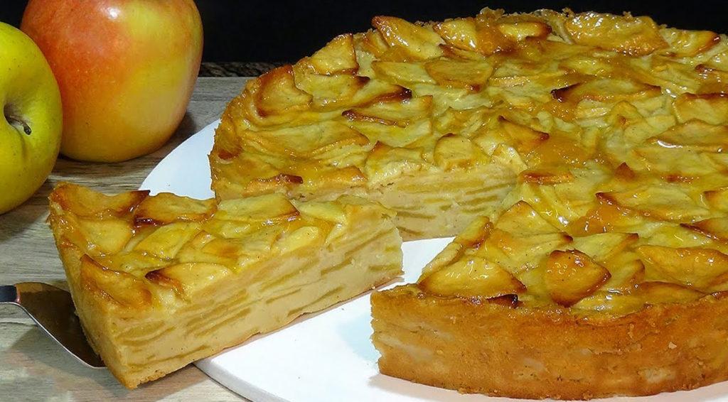 La torta di mele senza burro, morbida, gustosa e super dietetica con sole 105 calorie!