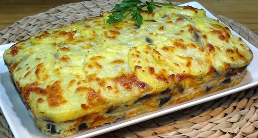 La torta di patate, melanzane, prosciutto e formaggio, un piatto gustoso e con sole 260 calorie!