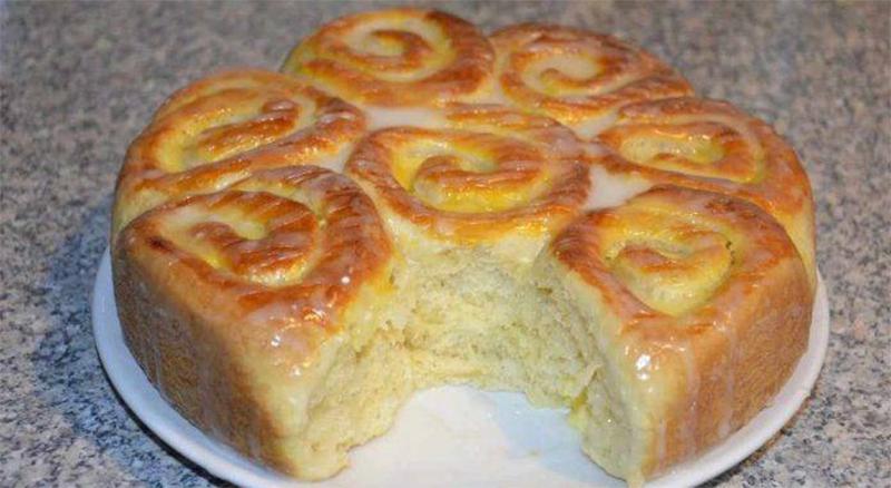 Torta brioche senza burro per una colazione gustosa e leggera. Solo 190 calorie!