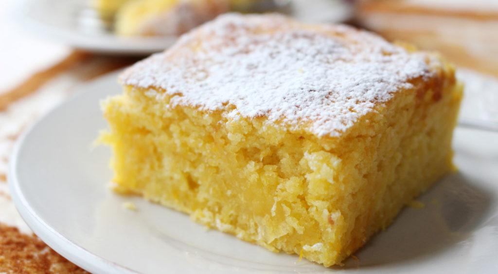 La torta senza uova e latte in 5 minuti un dolce dietetico e gustoso con sole 130 calorie!