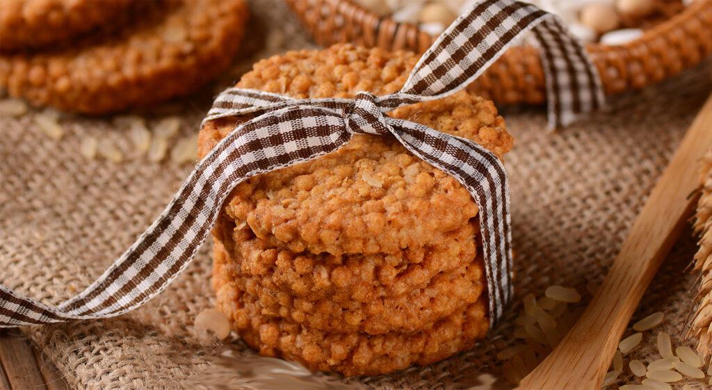 Biscotti di quinoa alla frutta senza uova, burro e latte, gustosi e leggeri con sole 45 calorie!