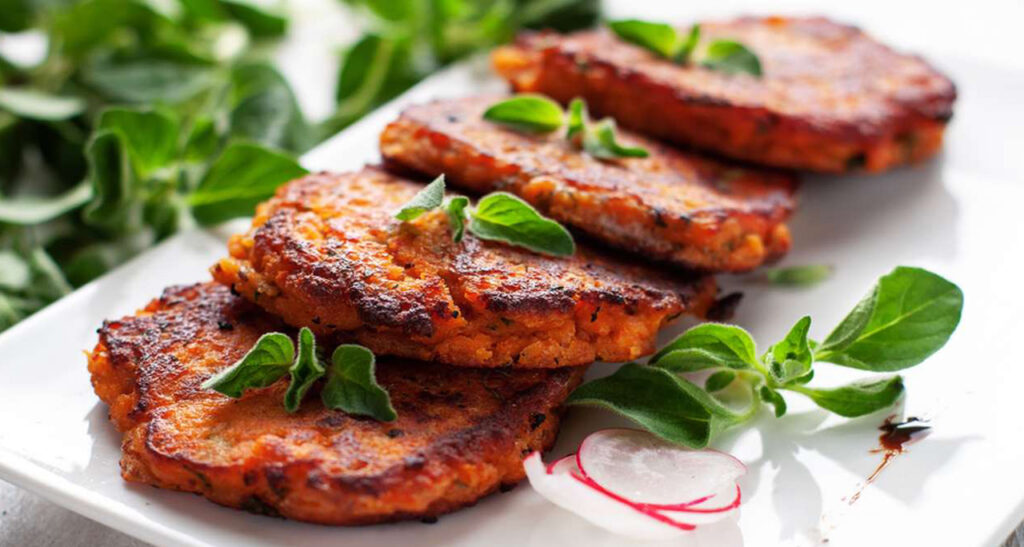 Hamburger di peperoni e patate, un secondo piatto gustoso e leggero con sole 170 calorie!