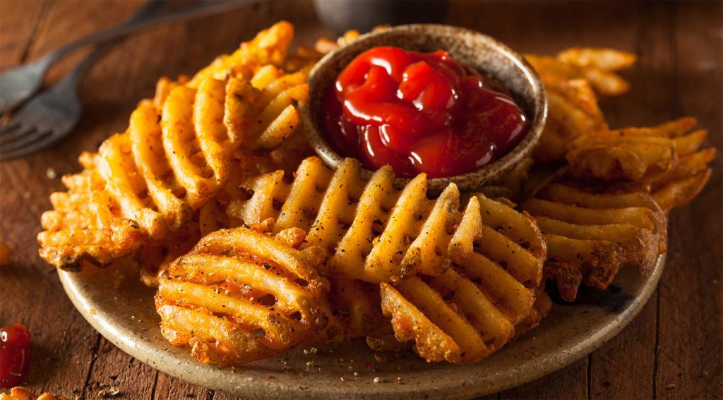 Le patatine al forno come non le avete mai provate, gustose, croccanti e con sole 190 calorie!